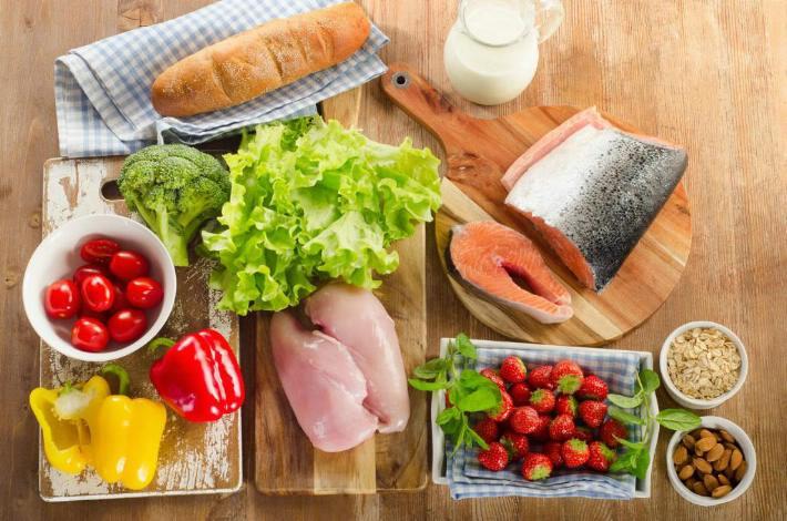 Alimentos que debes comer con frecuencia para mantenerte saludable.